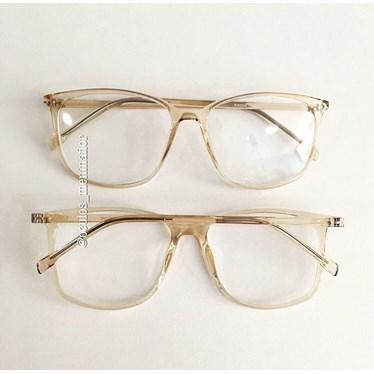 f369ca5f3ad7e Armação de grau - Jasmine quadrada - Dourada Transparente - Óculos ...