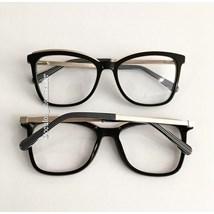 Armação de óculos de grau - Megan Two - Preto haste listada